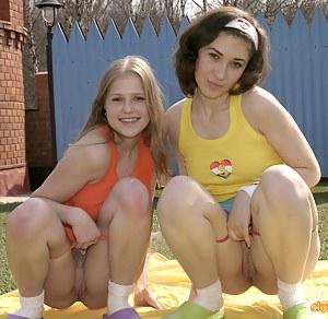 Petite Lesbian Porn Pictures